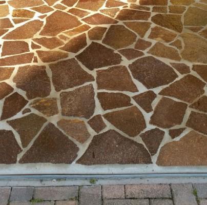 Pavimentazione trattata con protettivo idrorepellente traspirante